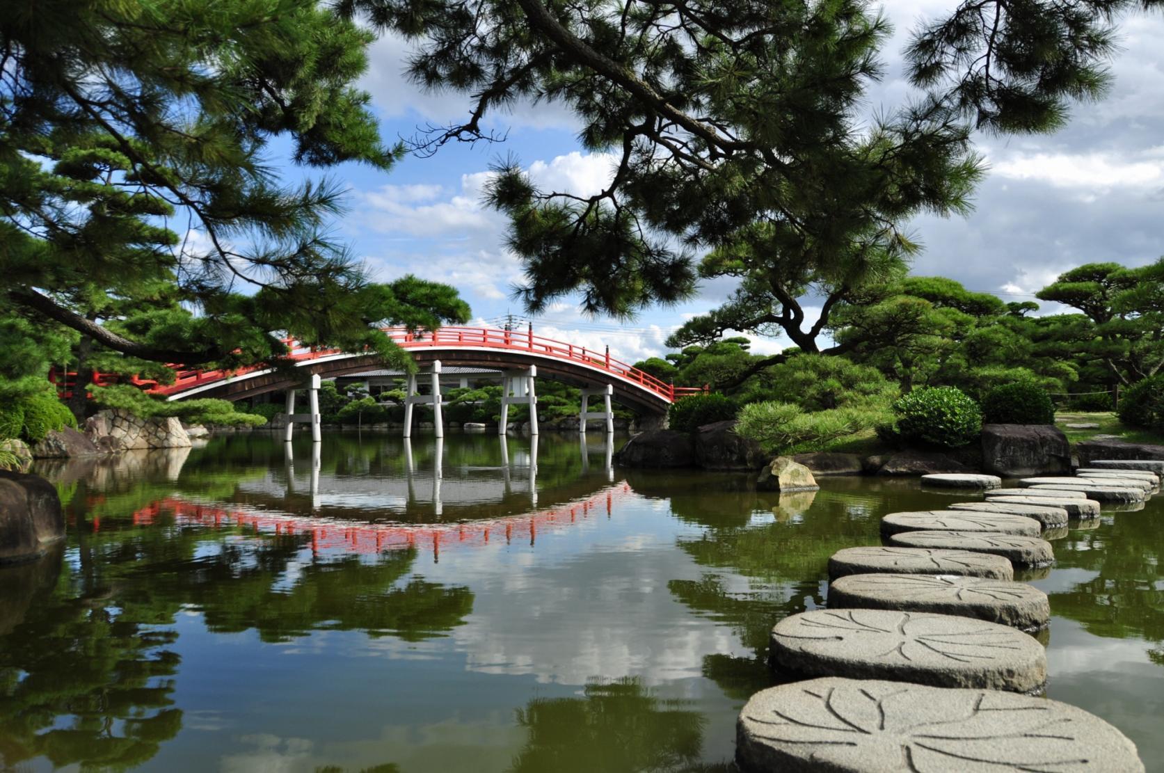 Nakazu Banshoen Garden and Marugame Museum of Art-1